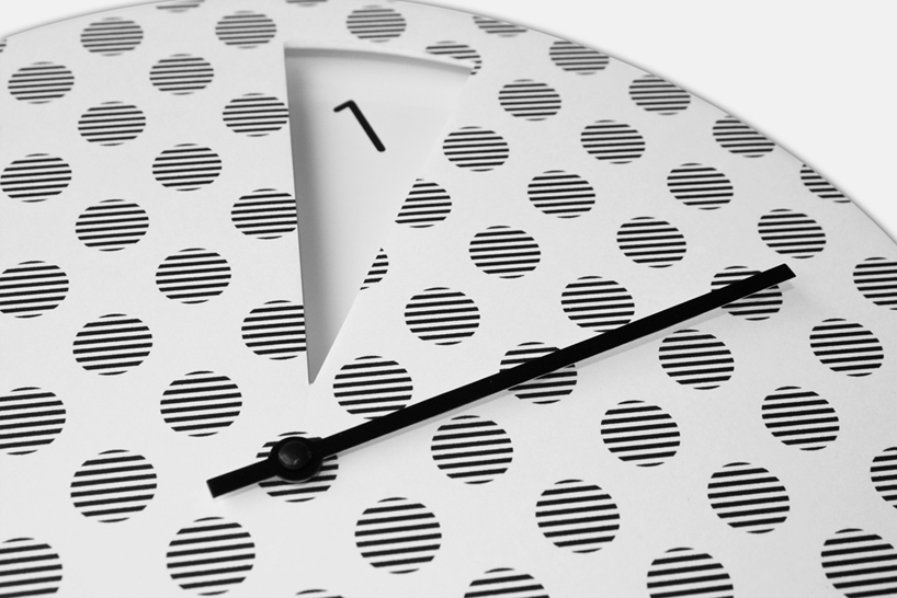 Minimalistički sat Sabrine Fossi  MojStan.net