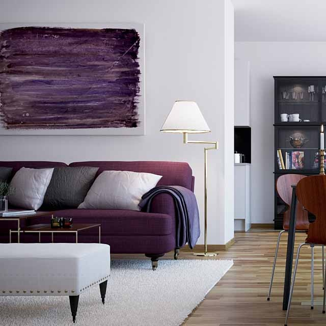 Dnevni boravci u ljubi astim bojama Purple accent wall in living room