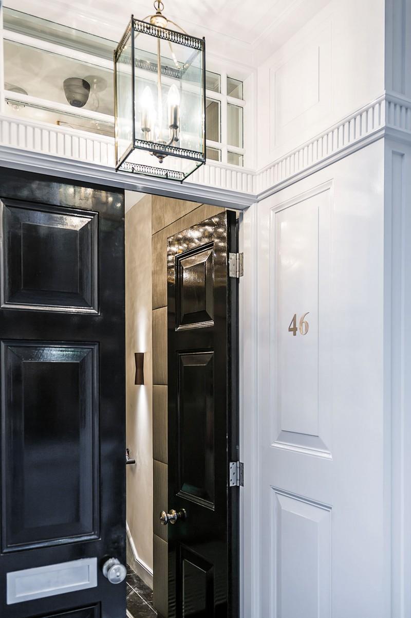 Dragulj u srcu londona High end front doors
