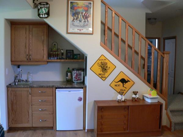 Kako iskoristiti prostor ispod stepenica?  MojStan.net