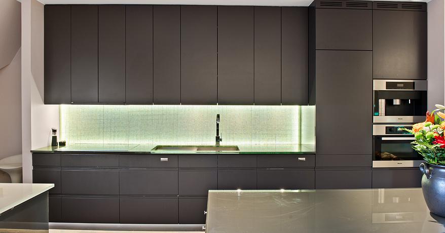 Kuhinja crne boje  MojStan.net