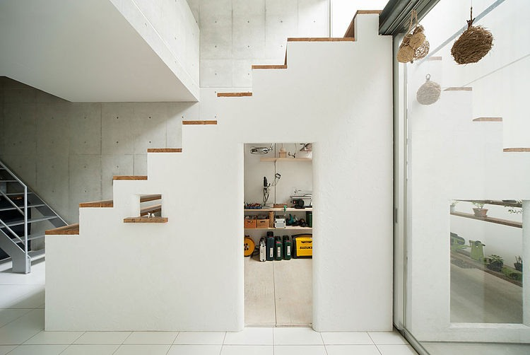Radni prostor ispod stepenica - Trap toegang tot zolder ...