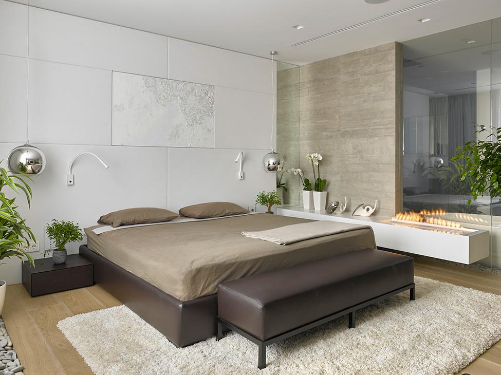 Moderna spavaća soba sa ognjištem  MojStan.net