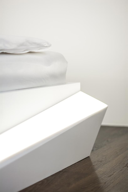 Ledeni krevet by Who Cares?!  MojStan.net