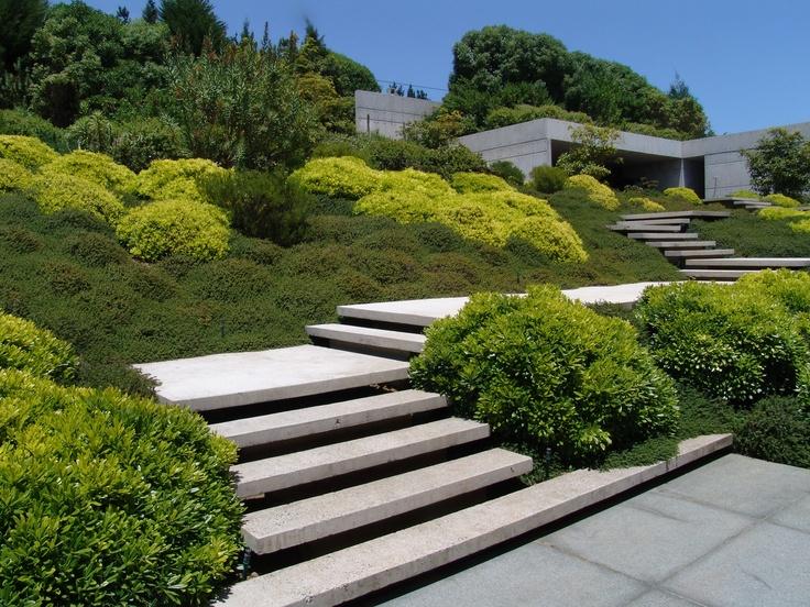 Uređenje vrta i terase na neravnom terenu  MojStan.net