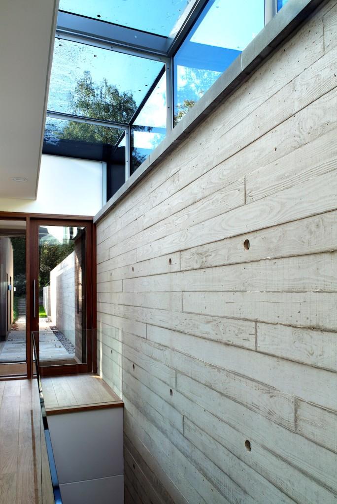 Moderna ku ica sa bazenom by pad studio architects for Pad studio new forest house