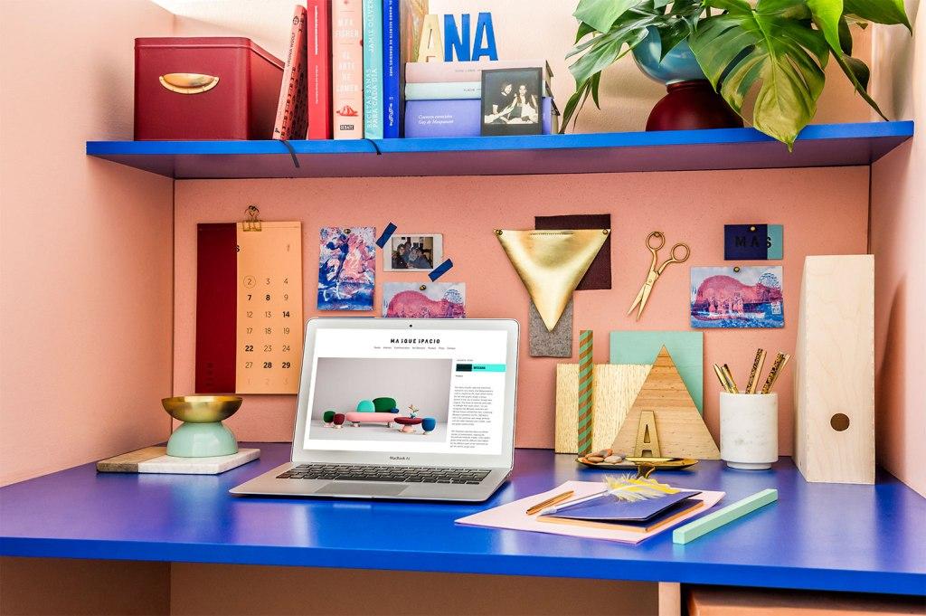 Ured koji oslikava rad tvrtke  MojStan.net