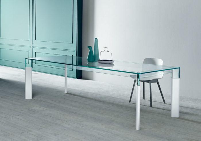 Perseo - stakleni stol za blagovaonu sa stilom