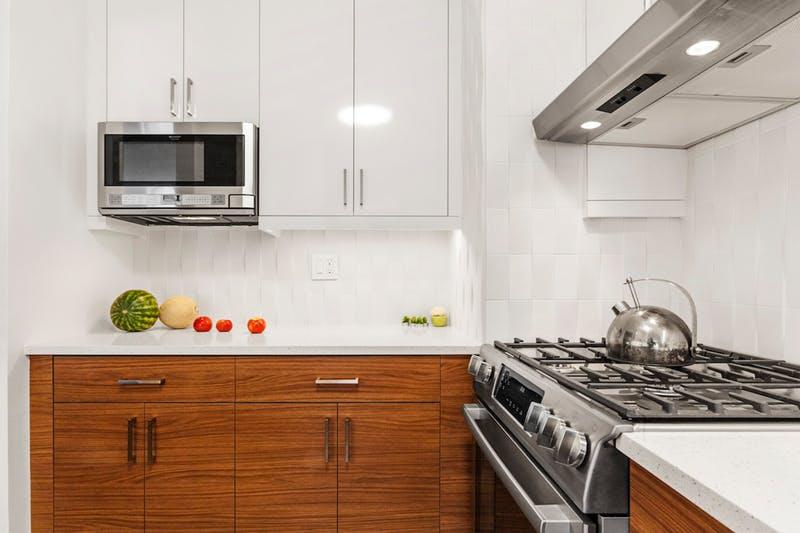 Preuređenje tmurne i dotrajale kuhinje