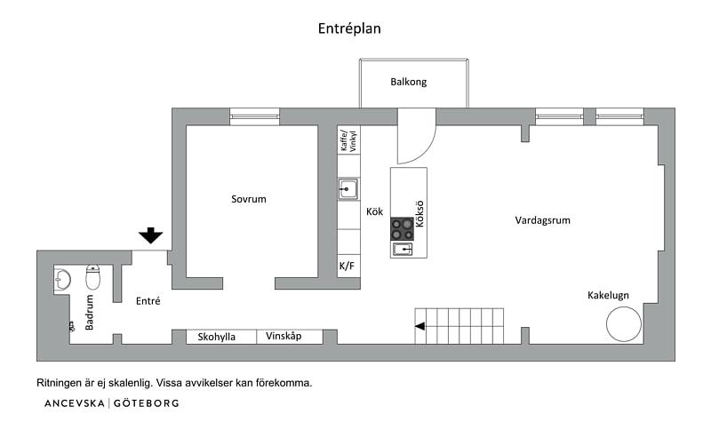 Goli zidovi u potkrovlju dvoetažnog skandinavskog stana