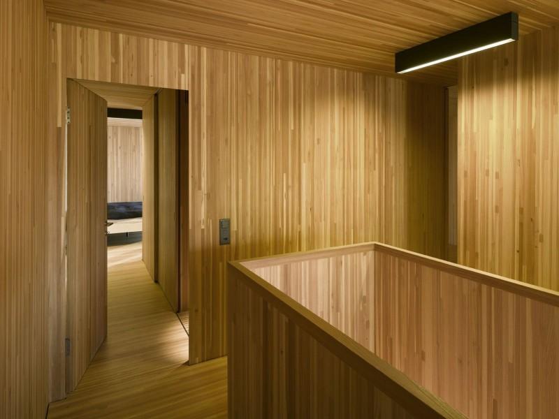 kuća-izvedena-u-kombinaciji-drvai-betona-11