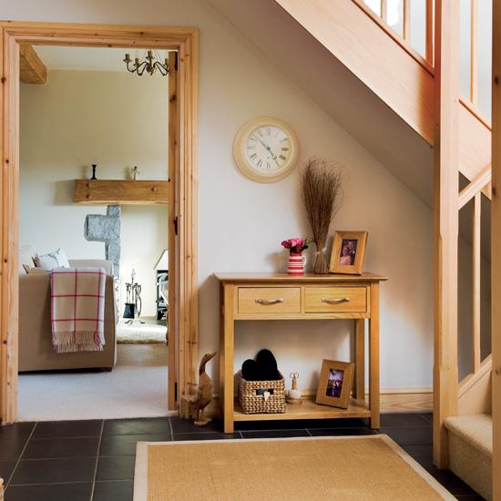 kako-iskoristiti-prostor-ispod-stepenica-hodnik-12