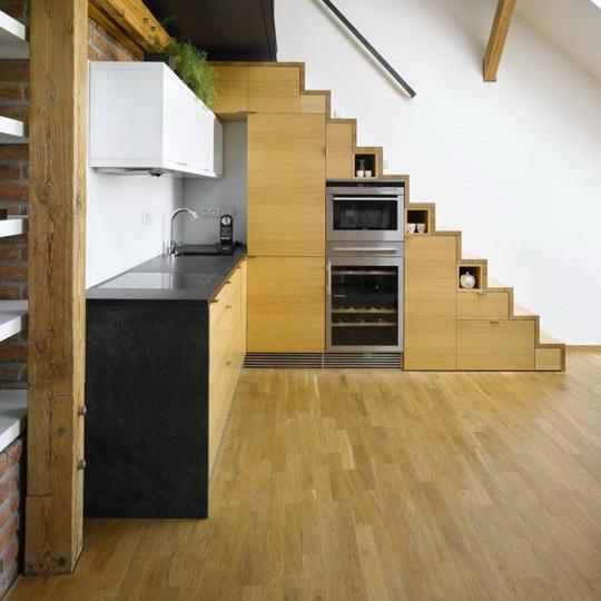 kako-iskoristiti-prostor-ispod-stepenica-kuhinja-25