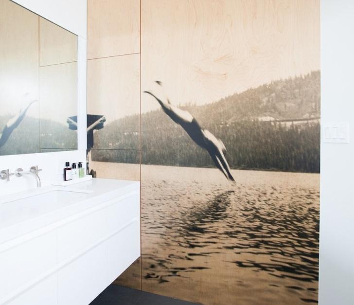 kupaonica-sa-oslikanim-zidom-1