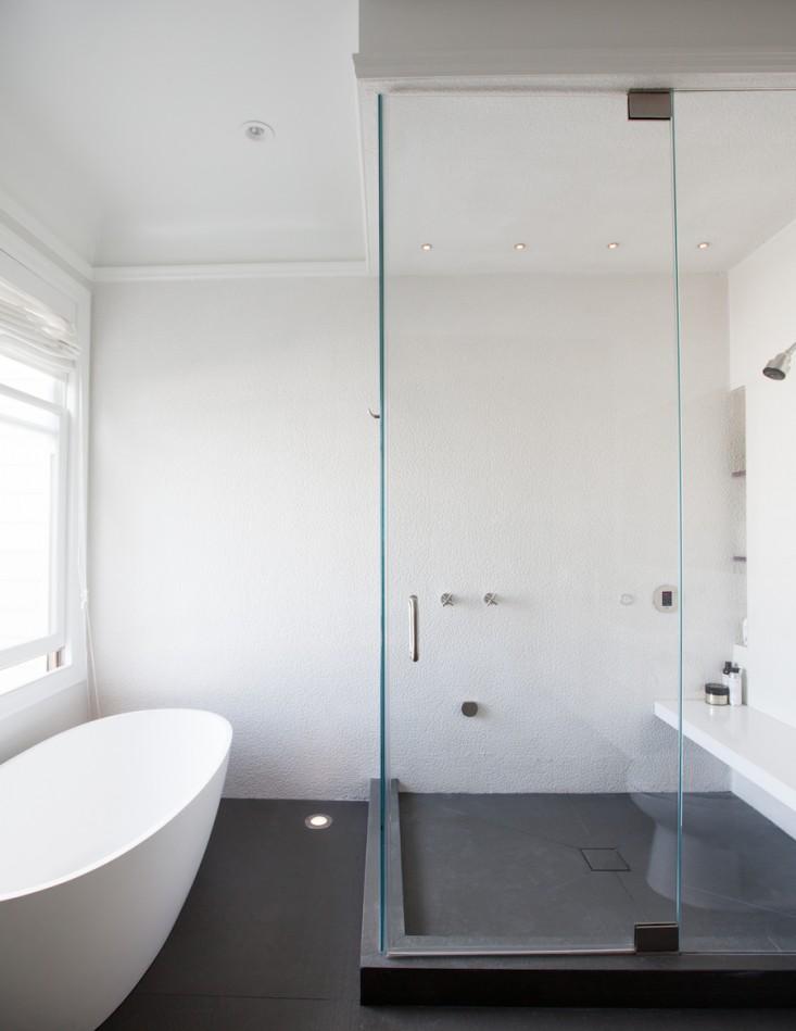 kupaonica-sa-oslikanim-zidom-3