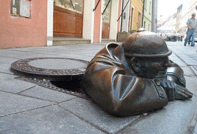 skulpture-koje-privlace-paznju-prolaznika-11