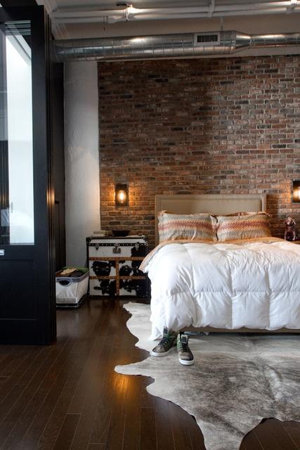 spavaca-soba-uredena-u-industrijskom-stilu-12