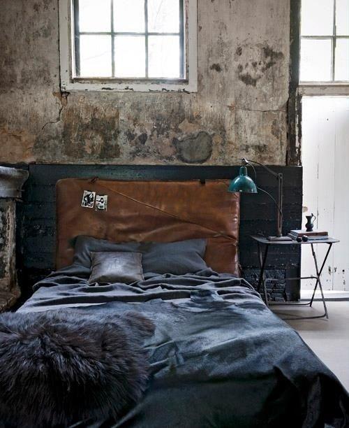 spavaca-soba-uredena-u-industrijskom-stilu-23