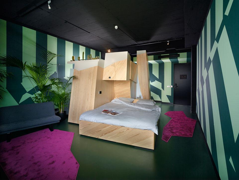 neobicna-hotelska-soba-1