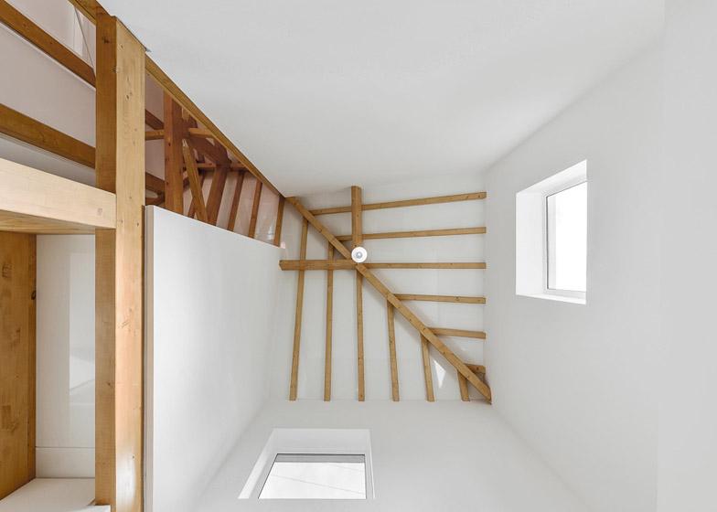 kamena-kuca-sa-drvenom-konstrukcijom-6