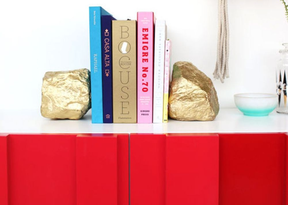 bookends-sprayed-rocks