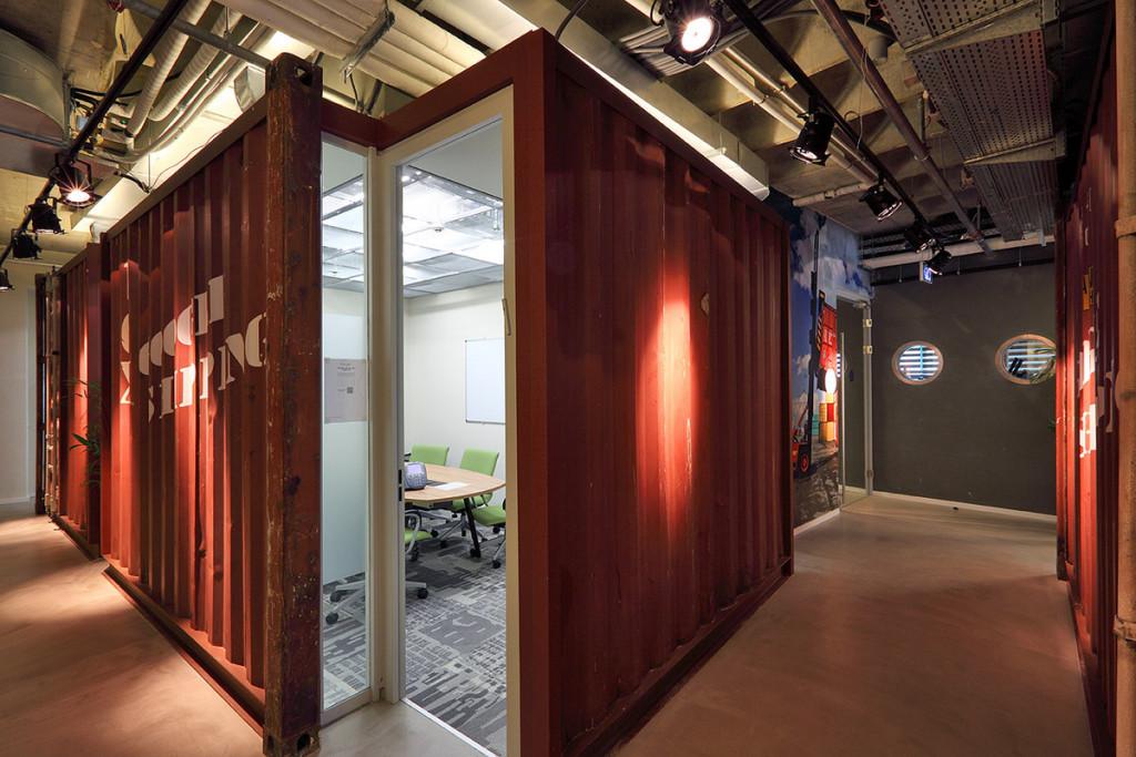 googles-haifa-office-shipping-container-1024x683