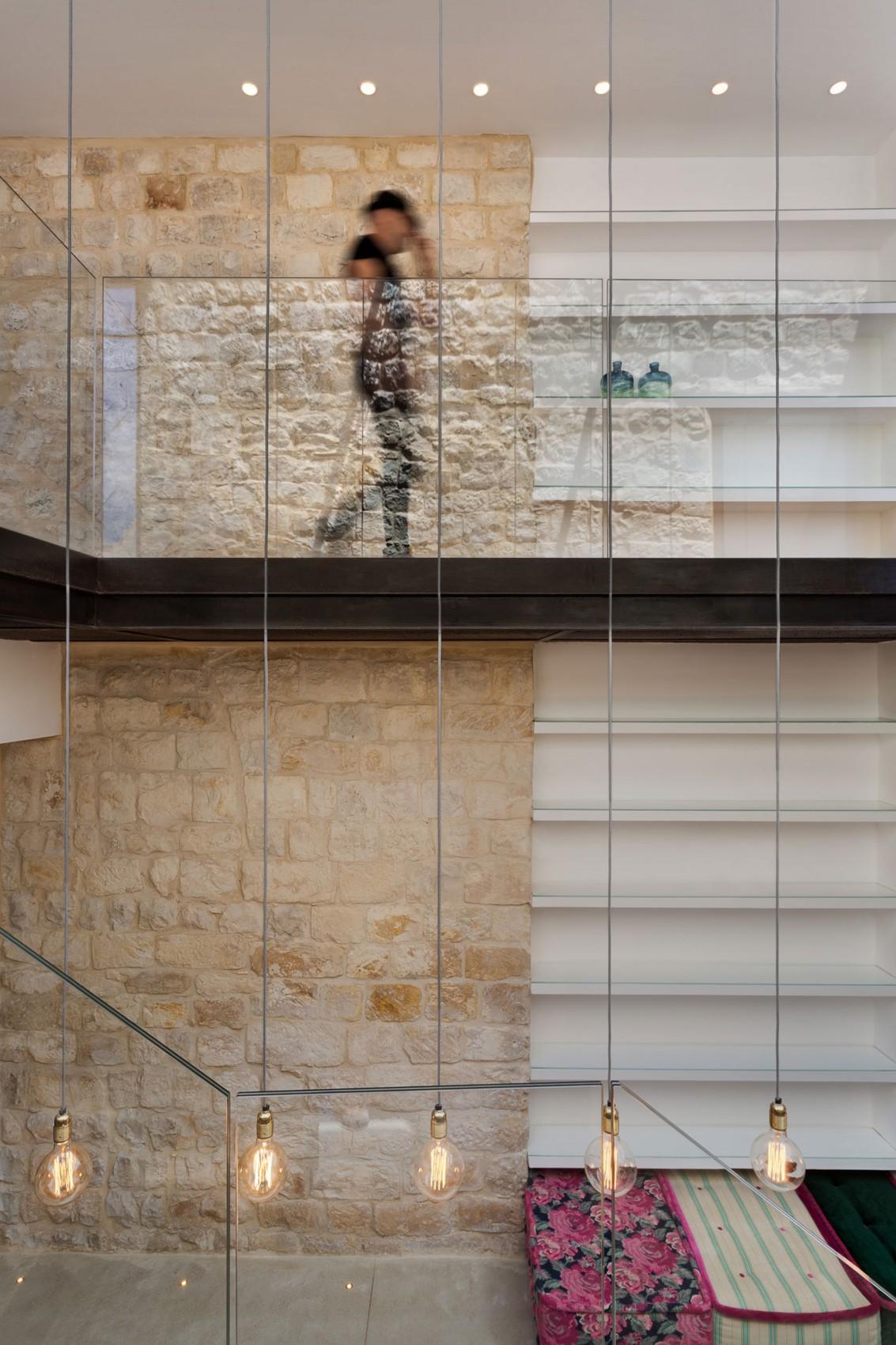 kamena-kuca-by-henkin-shavit-architecture-10