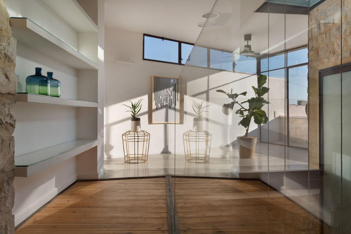 kamena-kuca-by-henkin-shavit-architecture-15