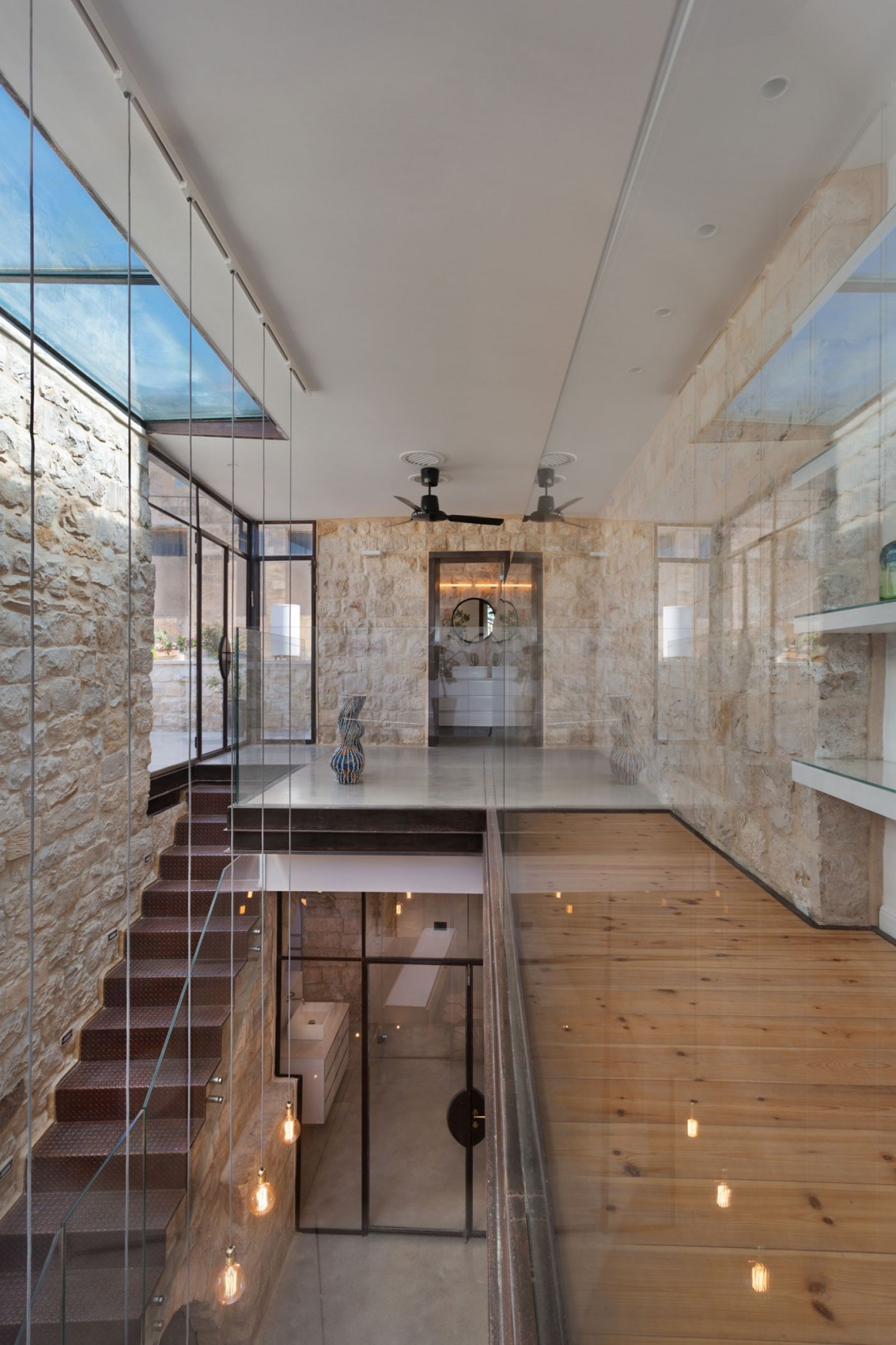 kamena-kuca-by-henkin-shavit-architecture-17