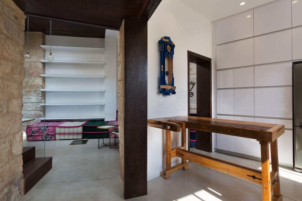 kamena-kuca-by-henkin-shavit-architecture-7