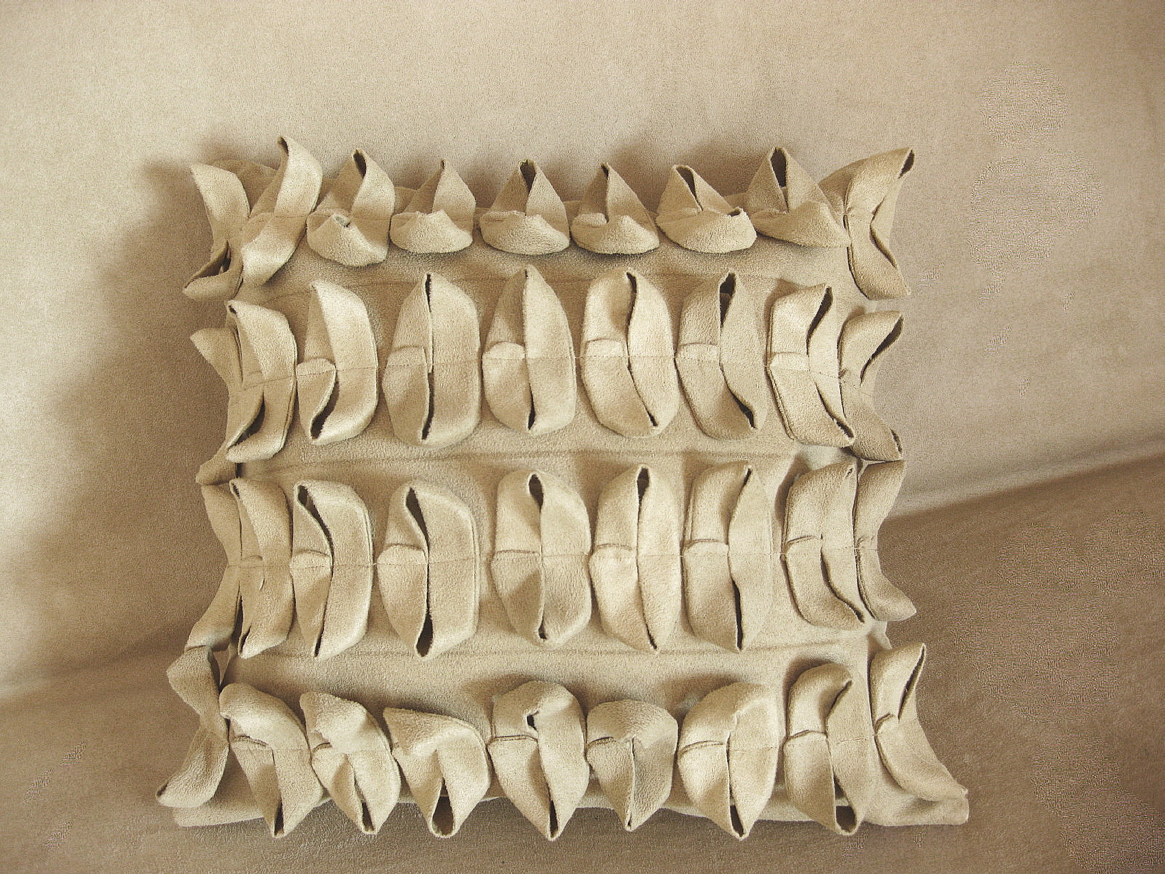 nova-linija-decora-kolekcija-jastuka-modne dizajnerice-marine-prevolsek-3