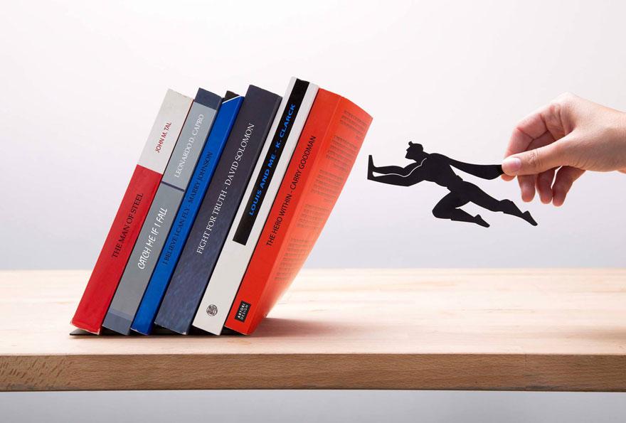 superheroj-koji-cuva-vase-najdraze-knjige-3