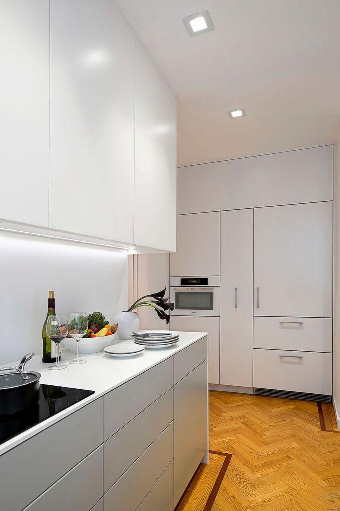 Jednostavna i funkcionalna kuhinja idealna za mali stan