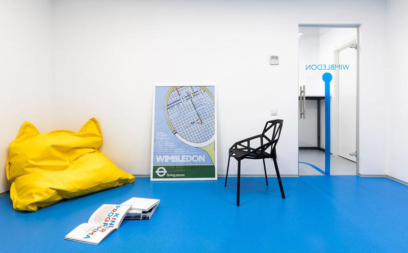 Uređenje škole stranih jezika inspirirano Londonskom podzemnom željeznicom