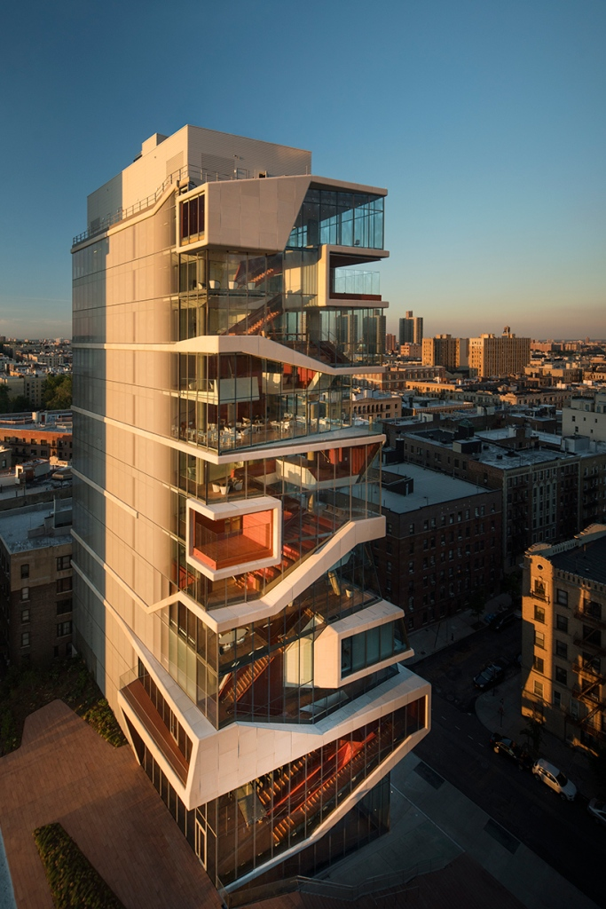 Moderni medicinski edukacijski centar by Diller Scofidio + Renfro