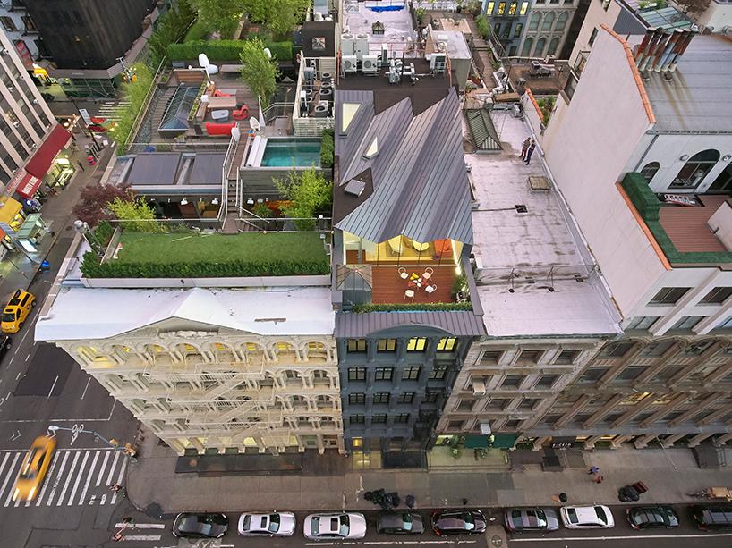 Penthouse na vrhu zgrade sakriven od pogleda sa ulice
