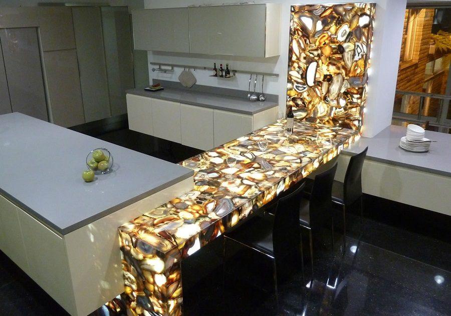 Kuhinjske radne ploče drugačije teksture i boje