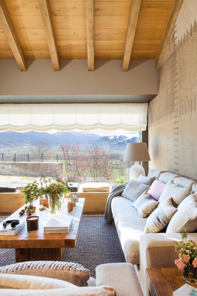 Topli dom sa pogledom na planine