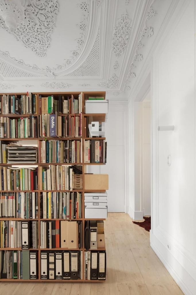 Bogato ukrašen strop stana u Lisabonu
