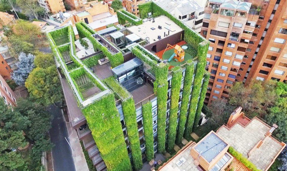 Najveći vertikalni vrt - zgrada sa 115 000 biljaka