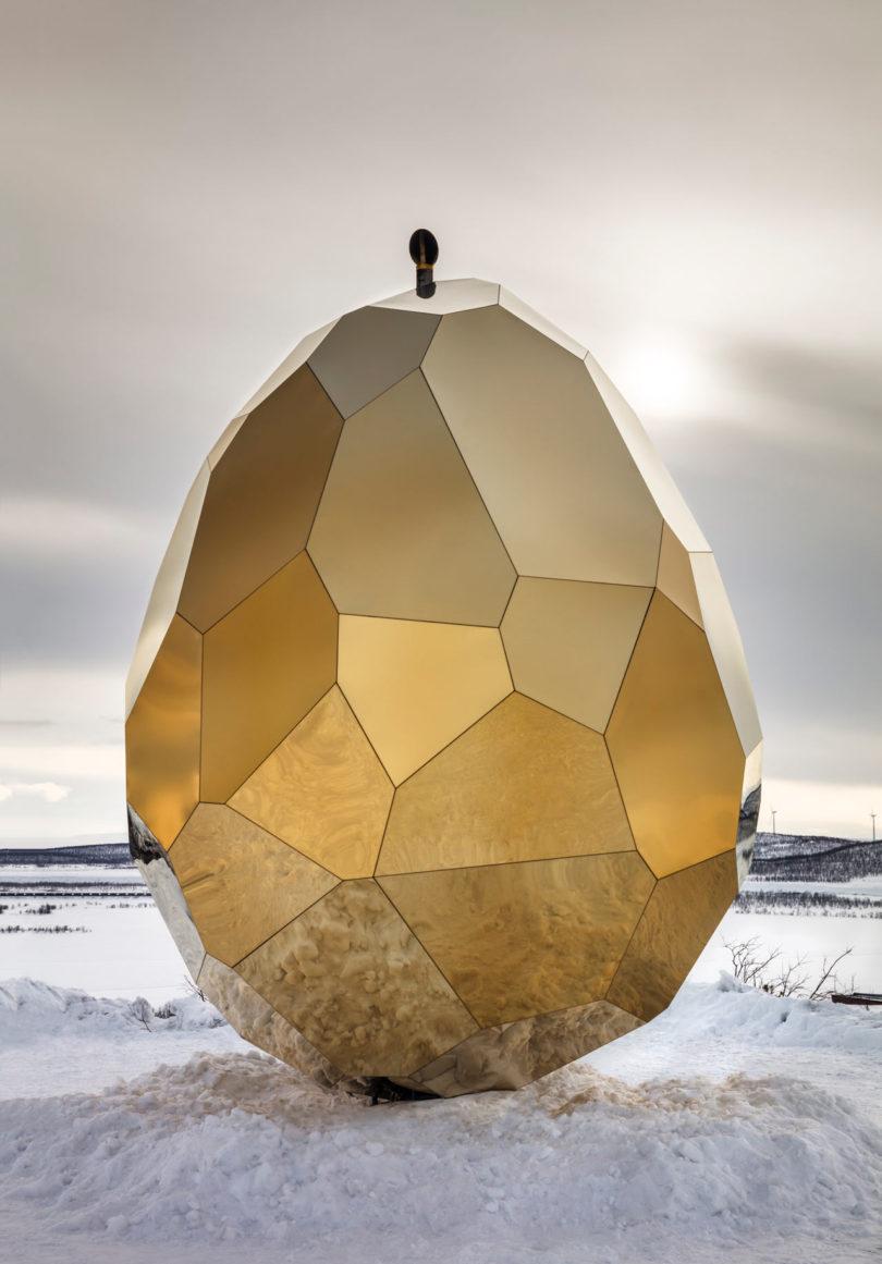 Sauna nalik na divovsko zlatno jaje