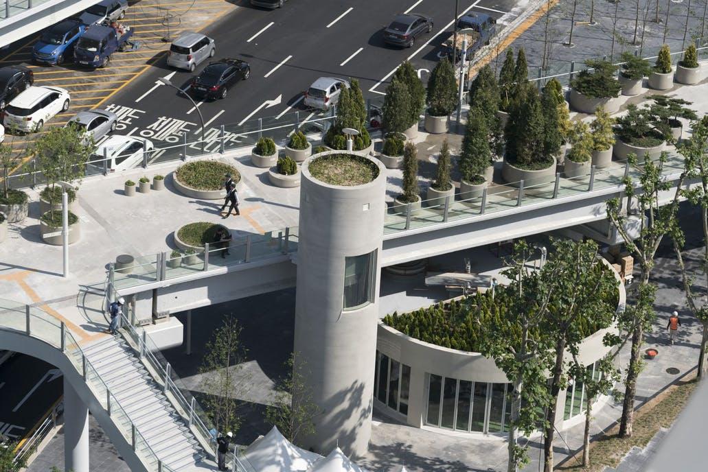 Autocesta u središtu grada pretvorena u park