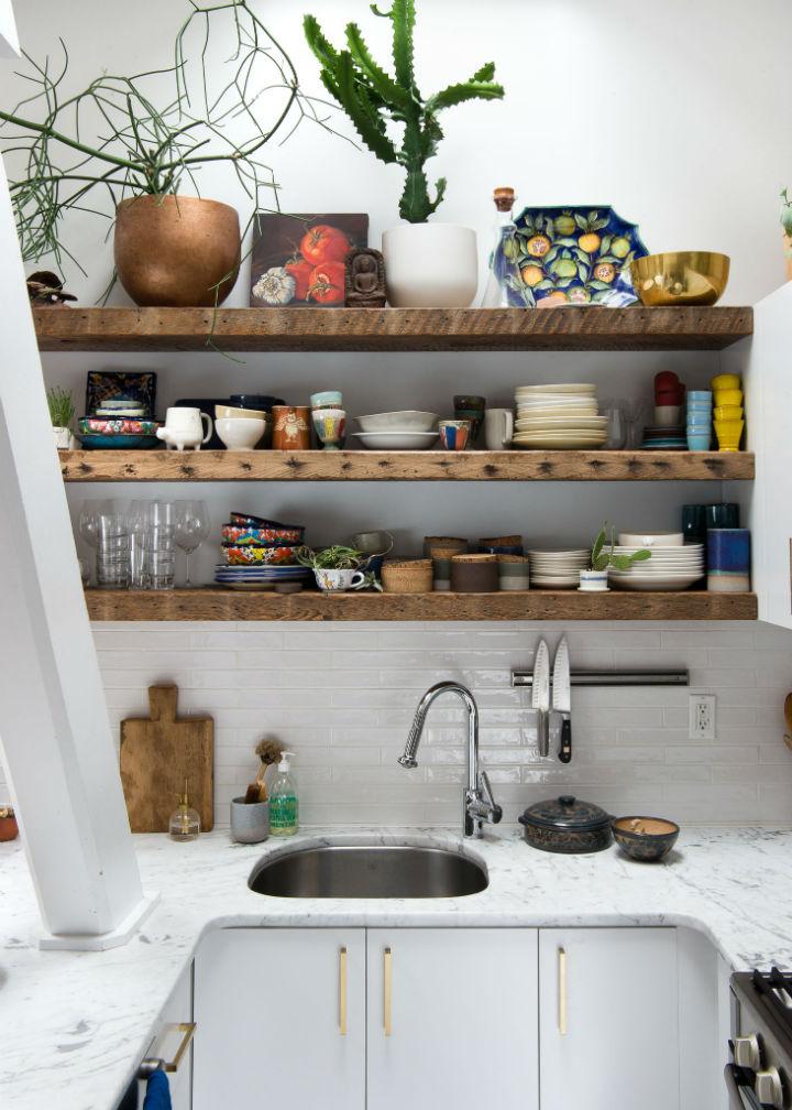 Šarmantna kuhinja bijele boje