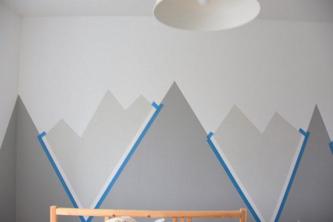 Planinski vrhovi na zidu dječje sobe