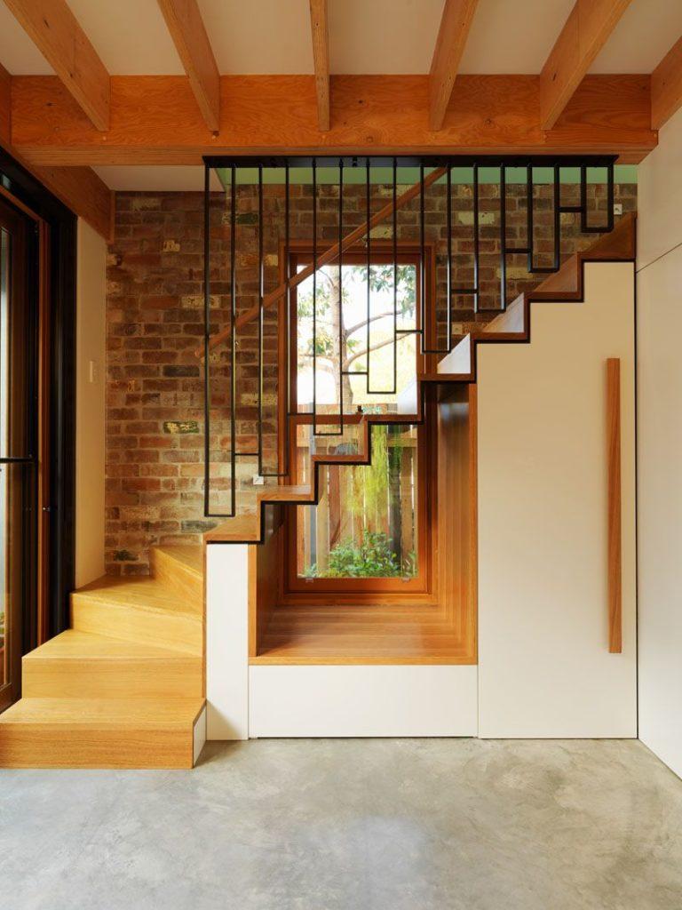 Kako iskoristiti prostor ispod stepenica?