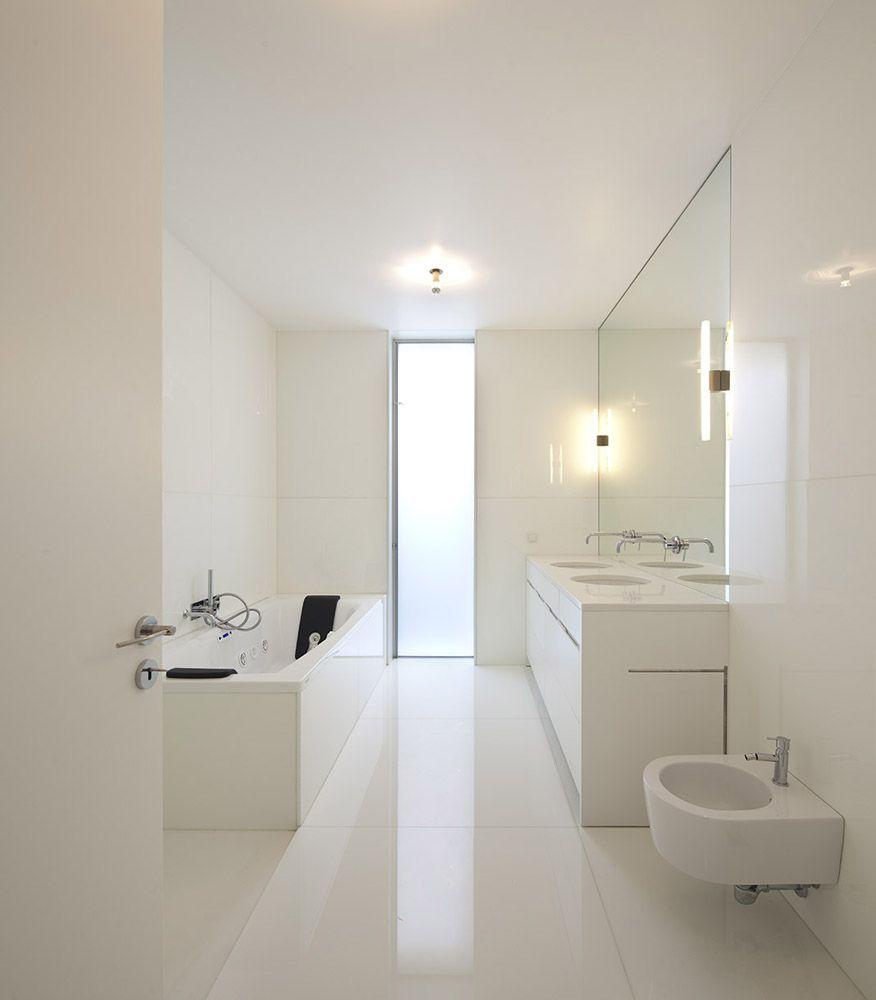 Koju boju odabrati za kupaonicu? Sa bijelom nećete pogriješiti