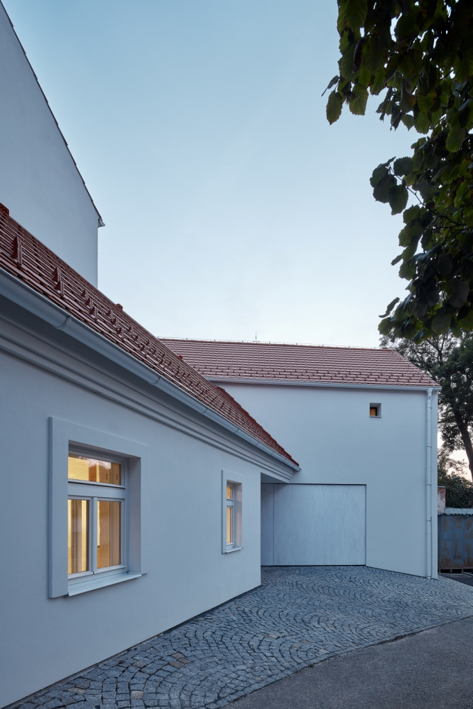 Obiteljska kuća u predgrađu Praga