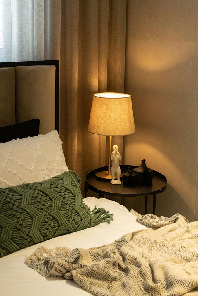 funkcionalan stan ispunjen svjetlom